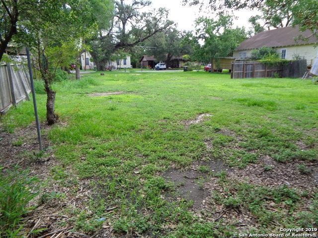 609 E Main St, Cuero, TX 77954 (MLS #1366230) :: BHGRE HomeCity