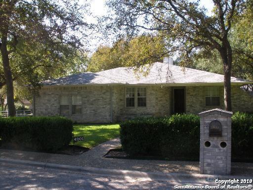 4201 Crown Oak Pass, Schertz, TX 78154 (MLS #1366422) :: Alexis Weigand Real Estate Group