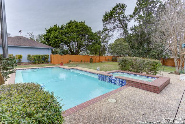 384 Hunters Creek Dr, New Braunfels, TX 78132 (MLS #1366610) :: The Mullen Group   RE/MAX Access