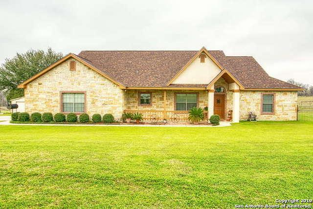 637 Lake Valley Dr, La Vernia, TX 78121 (MLS #1366683) :: NewHomePrograms.com LLC