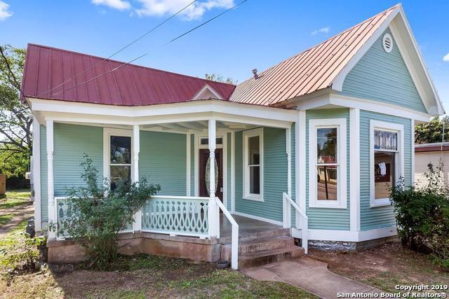 411 E Main St, Fredericksburg, TX 78624 (MLS #1366780) :: Alexis Weigand Real Estate Group