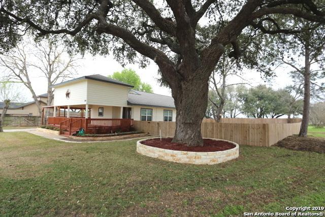 108 Guerra St, Stockdale, TX 78160 (MLS #1367442) :: NewHomePrograms.com LLC
