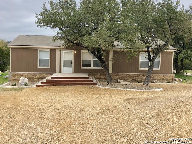 15132 Cranes Mill Rd, Canyon Lake, TX 78133 (MLS #1367737) :: Vivid Realty