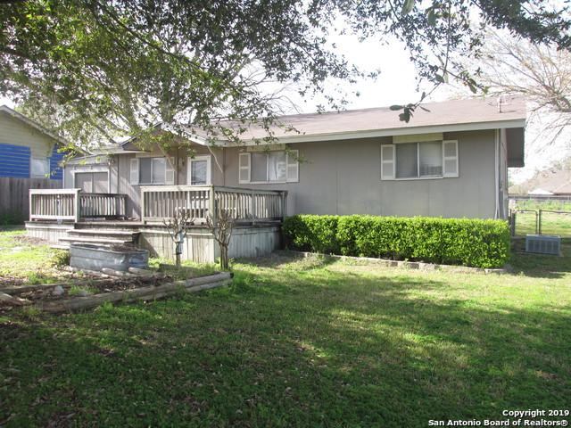 812 W County Line Rd, New Braunfels, TX 78130 (MLS #1368305) :: Vivid Realty