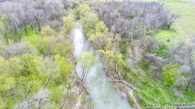 2676 Fm 1303, Floresville, TX 78114 (MLS #1368547) :: Vivid Realty