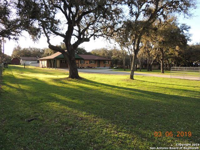 332 County Road 381, San Antonio, TX 78253 (MLS #1368572) :: Alexis Weigand Real Estate Group