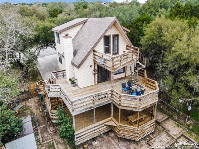 1465 Hillcrest Forest, Canyon Lake, TX 78133 (MLS #1368906) :: The Castillo Group