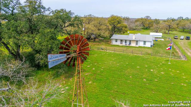 125 Iuka Rd, Poteet, TX 78065 (MLS #1369418) :: Exquisite Properties, LLC