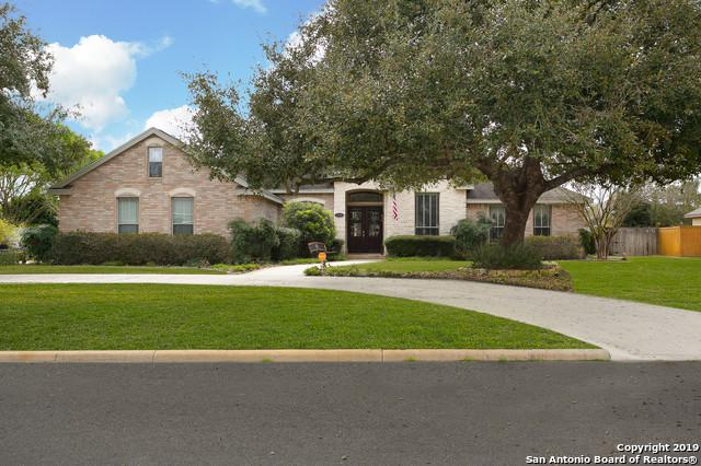1713 Parkview, Pleasanton, TX 78064 (MLS #1369503) :: The Gradiz Group