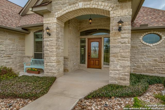 124 Abrego Lake Dr, Floresville, TX 78114 (MLS #1369574) :: Alexis Weigand Real Estate Group