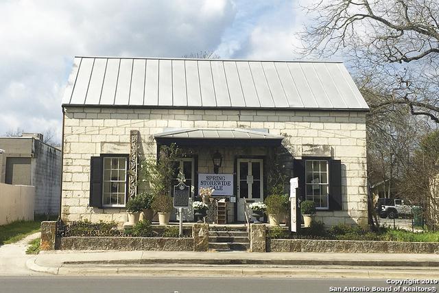 334 S Main St, Boerne, TX 78006 (MLS #1369619) :: Vivid Realty