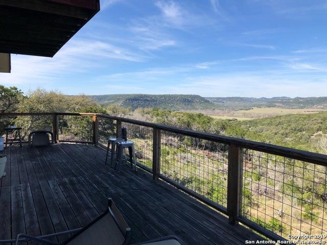 1105 Summit Ridge Dr, New Braunfels, TX 78132 (MLS #1369719) :: Alexis Weigand Real Estate Group