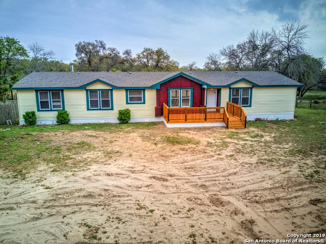158 Willow Creek Dr, Floresville, TX 78114 (MLS #1369734) :: Exquisite Properties, LLC