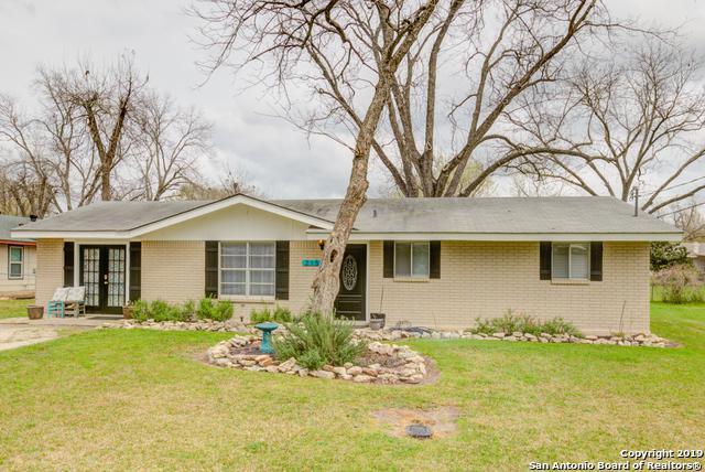 2151 Gruene Rd, New Braunfels, TX 78130 (MLS #1369798) :: Erin Caraway Group