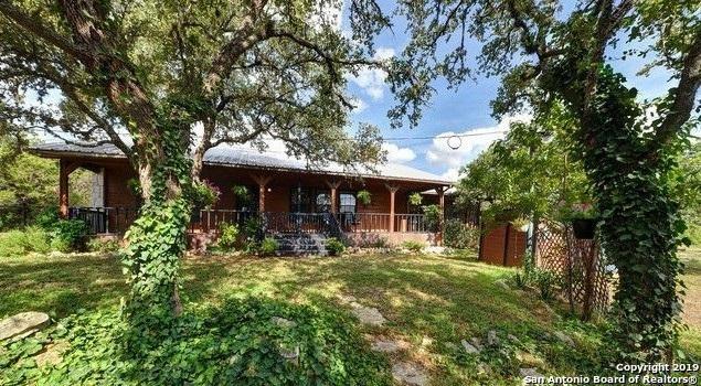 1002 County Road 242, Hondo, TX 78861 (MLS #1369876) :: NewHomePrograms.com LLC