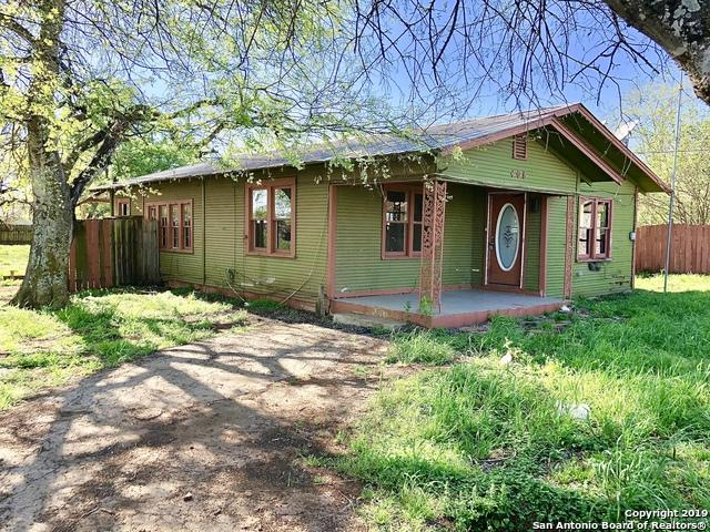 408 Waltom Ave, Jourdanton, TX 78026 (MLS #1370029) :: The Mullen Group | RE/MAX Access