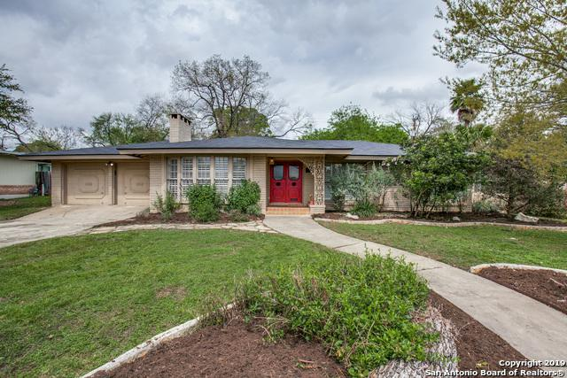 1015 Canterbury Hill St, Terrell Hills, TX 78209 (MLS #1370157) :: Berkshire Hathaway HomeServices Don Johnson, REALTORS®