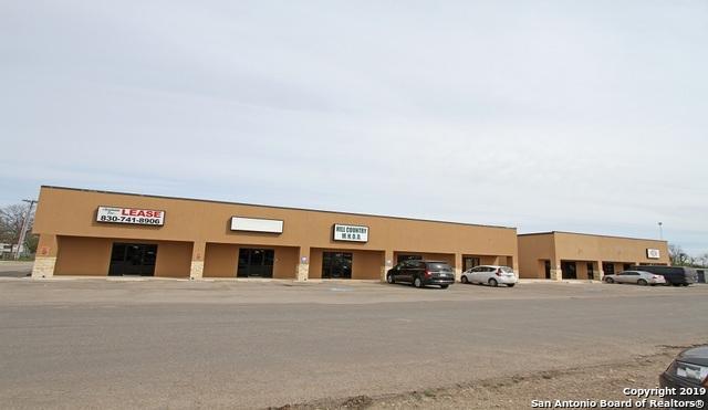 708 18th St, Hondo, TX 78861 (MLS #1370223) :: Tom White Group