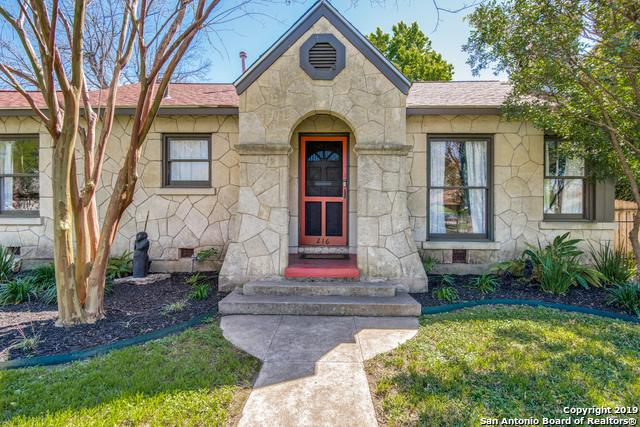 216 Quentin Dr, San Antonio, TX 78201 (MLS #1370472) :: Erin Caraway Group