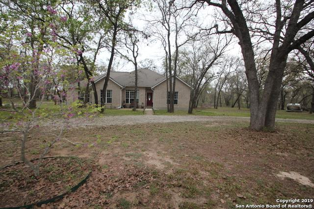250 Hickory Run, La Vernia, TX 78121 (MLS #1370573) :: Alexis Weigand Real Estate Group