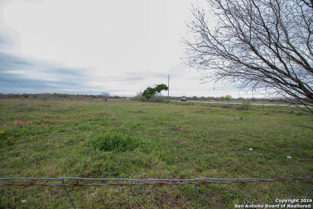 (20 +/- ACRES) St Hwy 97 E, Floresville, TX 78114 (MLS #1370643) :: The Mullen Group | RE/MAX Access