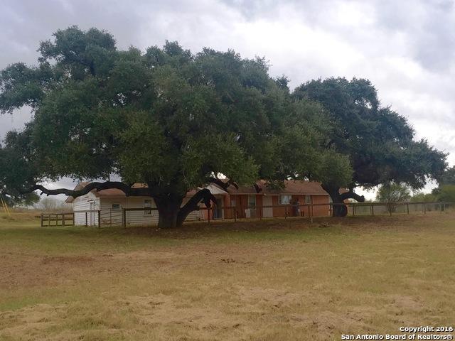 420 Phillips Rd, Pleasanton, TX 78064 (MLS #1370716) :: Exquisite Properties, LLC
