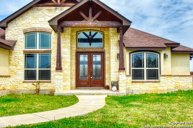 264 Abrego Lake Dr, Floresville, TX 78114 (MLS #1370960) :: Berkshire Hathaway HomeServices Don Johnson, REALTORS®