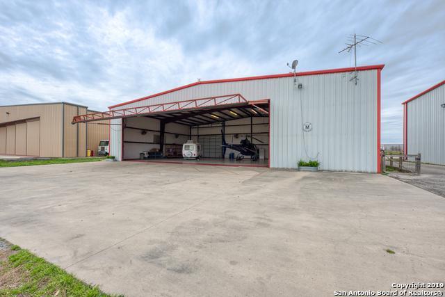 191 Beechcraft Ln, Seguin, TX 78155 (MLS #1370961) :: Exquisite Properties, LLC