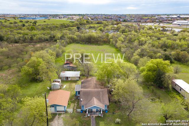 6001 Seguin Rd, San Antonio, TX 78244 (MLS #1371039) :: Erin Caraway Group