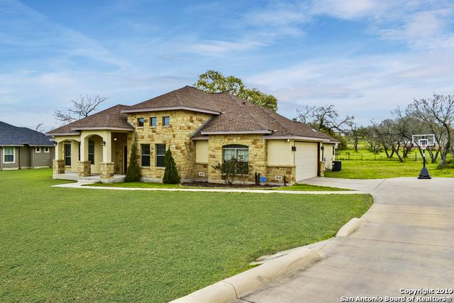 140 Trail Boss, La Vernia, TX 78121 (MLS #1371428) :: NewHomePrograms.com LLC