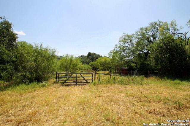 4576 Smith Rd, Von Ormy, TX 78073 (MLS #1371781) :: Tom White Group