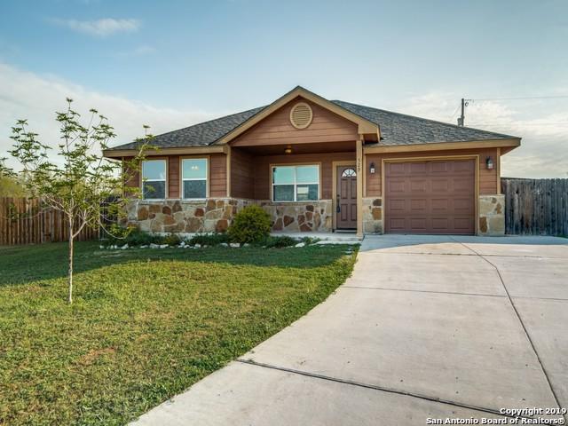 529 Indian Xing, Jourdanton, TX 78026 (MLS #1371794) :: Exquisite Properties, LLC