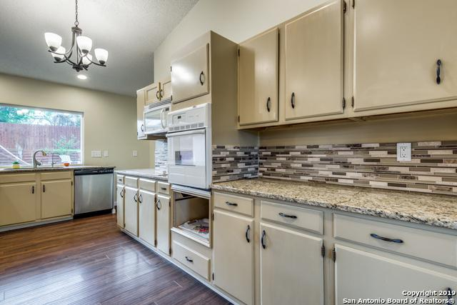 8414 Capricorn Dr, Universal City, TX 78148 (MLS #1371828) :: Alexis Weigand Real Estate Group