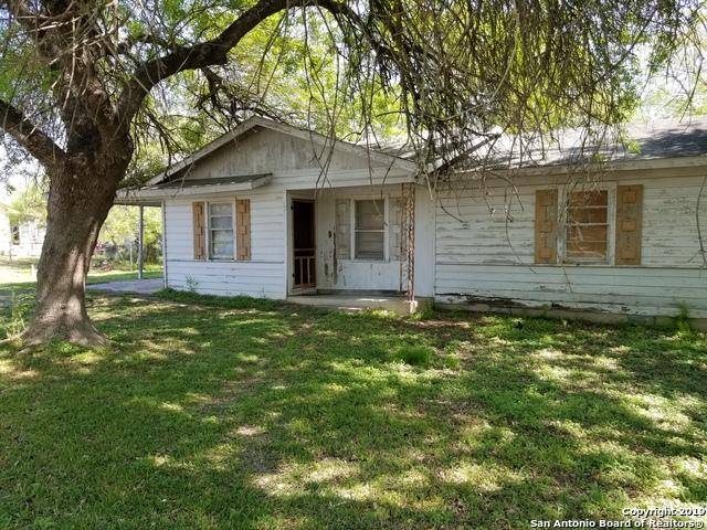 1295 S Mesquite Ave, New Braunfels, TX 78130 (MLS #1371921) :: ForSaleSanAntonioHomes.com