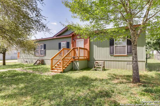 15421 Laredo St, Lytle, TX 78052 (MLS #1372135) :: Alexis Weigand Real Estate Group