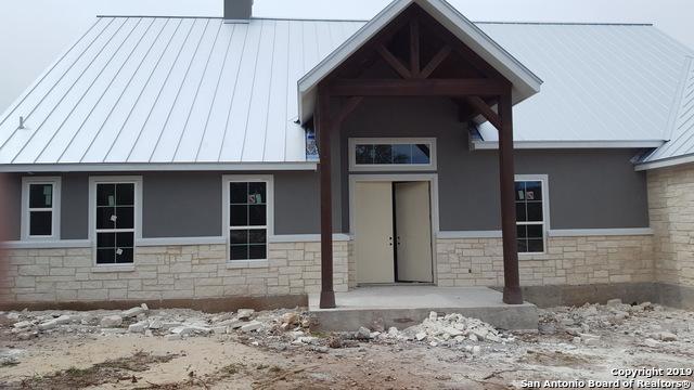 825 Oak Bluff Trail, New Braunfels, TX 78132 (MLS #1372138) :: Alexis Weigand Real Estate Group