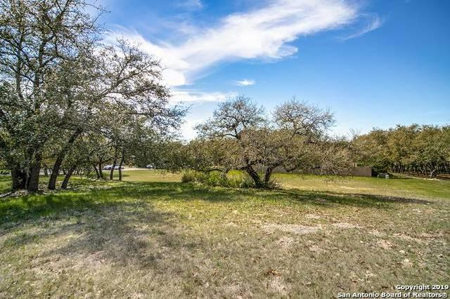 5 Vineyard Dr, San Antonio, TX 78257 (MLS #1372367) :: Berkshire Hathaway HomeServices Don Johnson, REALTORS®