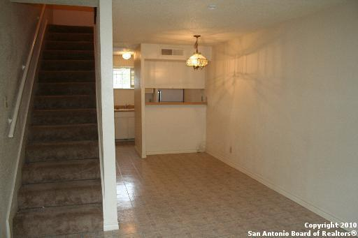 3243 Nacogdoches Rd #301, San Antonio, TX 78217 (MLS #1372598) :: Keller Williams City View
