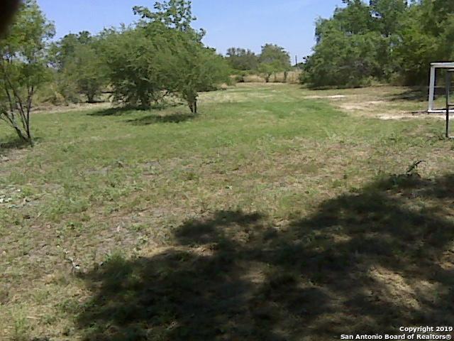 12735 S Zarzamora St, San Antonio, TX 78224 (MLS #1372659) :: Erin Caraway Group