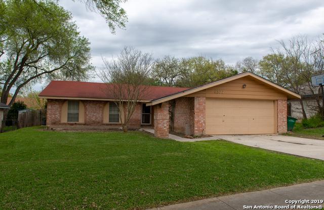 6327 Ridge Tree Dr, San Antonio, TX 78233 (MLS #1372764) :: Alexis Weigand Real Estate Group