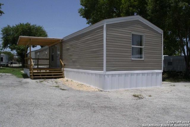 102 Kirby Heights St, San Antonio, TX 78219 (MLS #1372883) :: ForSaleSanAntonioHomes.com