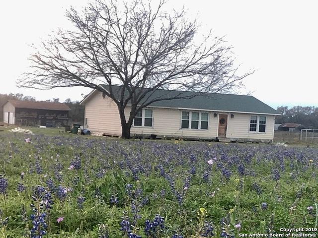 526 County Road 6723, Natalia, TX 78059 (MLS #1372906) :: BHGRE HomeCity