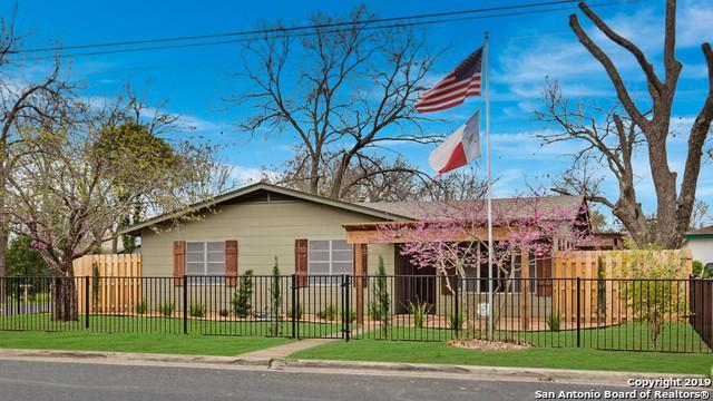 212 S Saunders St, Boerne, TX 78006 (MLS #1374190) :: Exquisite Properties, LLC