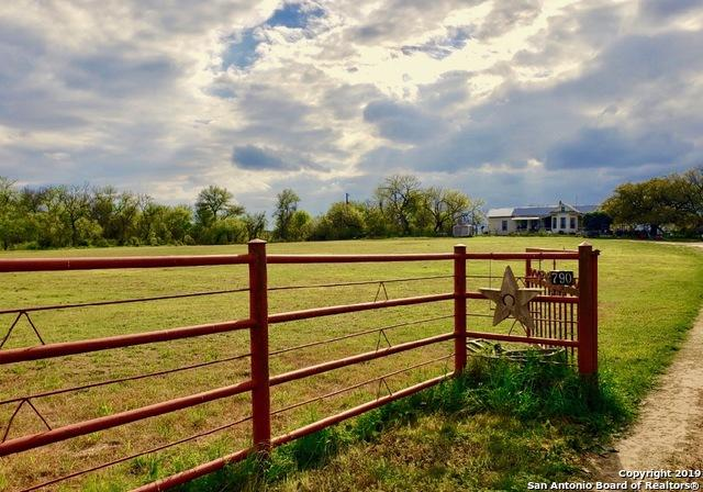 790 County Road 545, Hondo, TX 78861 (MLS #1374256) :: Tom White Group