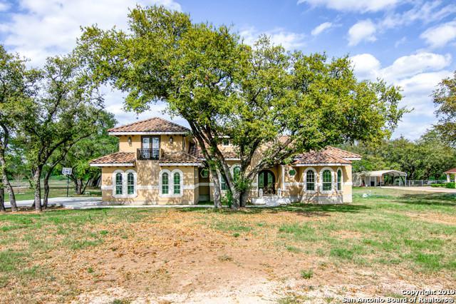 104 Medora Branch Dr, Floresville, TX 78114 (MLS #1374586) :: River City Group