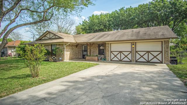 839 Sunshadow Dr, New Braunfels, TX 78130 (MLS #1374714) :: Alexis Weigand Real Estate Group