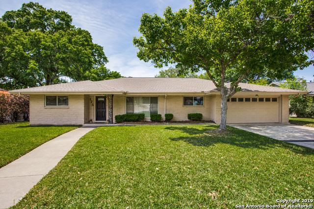 125 Twinleaf Ln, Castle Hills, TX 78213 (MLS #1374979) :: River City Group