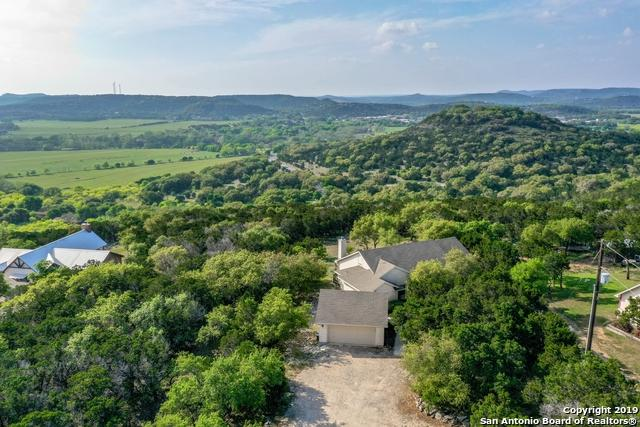 2465 Summit Dr, New Braunfels, TX 78132 (MLS #1375367) :: Alexis Weigand Real Estate Group