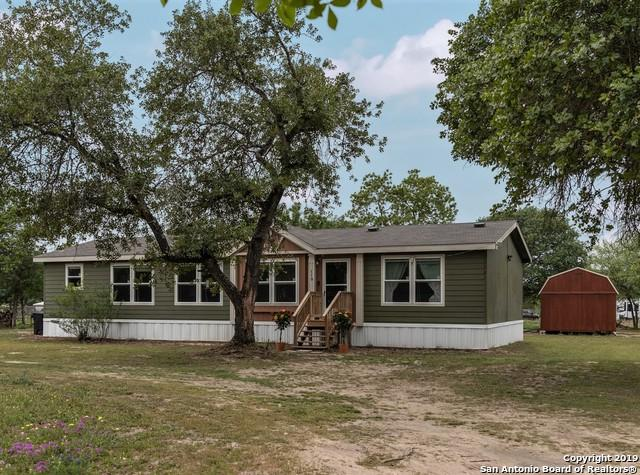 119 Creekbend Dr, Floresville, TX 78114 (MLS #1375446) :: River City Group
