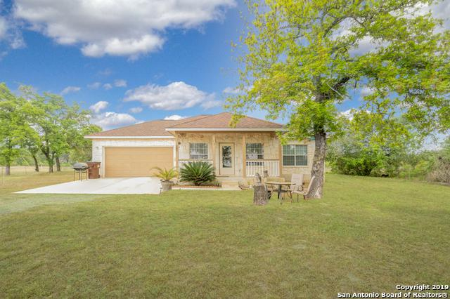 15 Eaglerock, Poteet, TX 78065 (MLS #1375582) :: Alexis Weigand Real Estate Group
